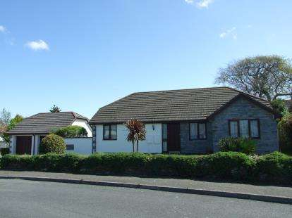 3 Bedrooms Bungalow for sale in St. Issey, Wadebridge, Cornwall