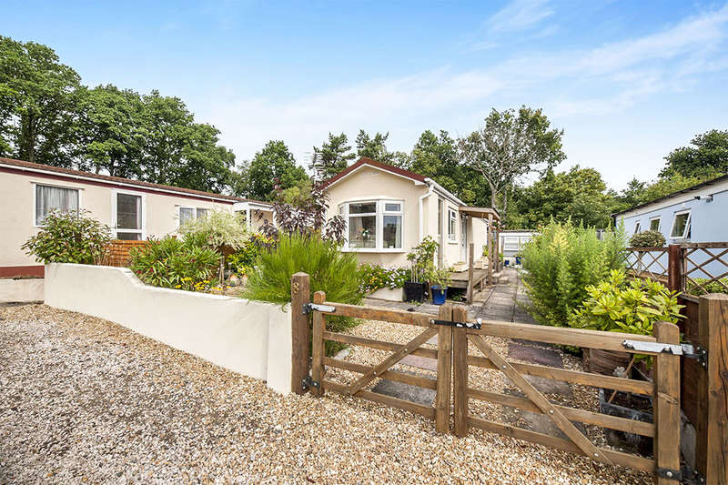 1 Bedroom Detached Bungalow for sale in Brimley Gardens, Bovey Tracey, Newton Abbot, TQ13