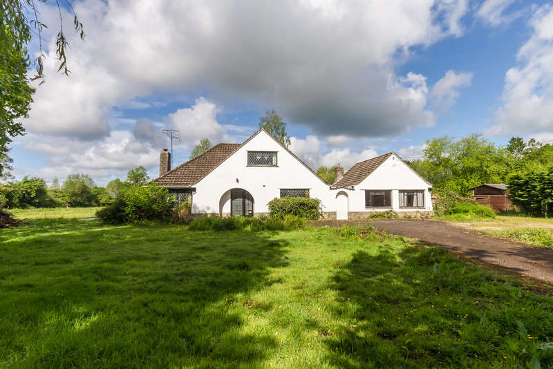6 Bedrooms Chalet House for sale in North Gorley, Hampshire
