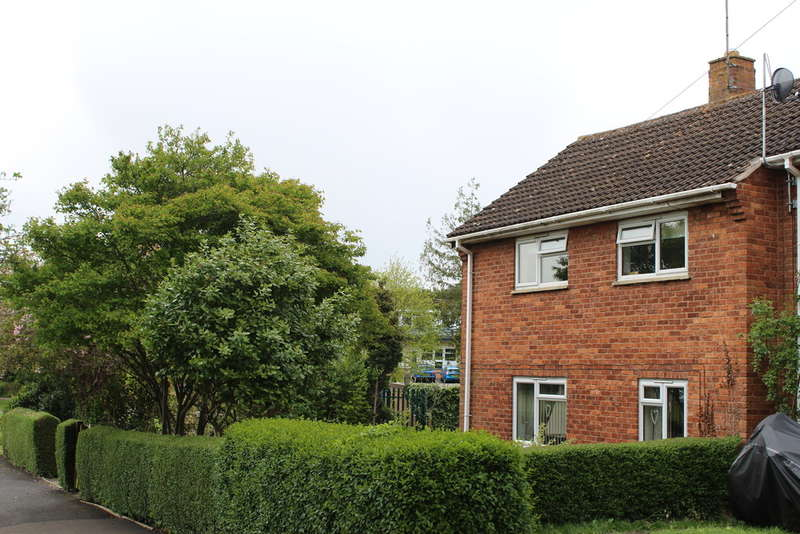3 Bedrooms Semi Detached House for sale in Fairfield Road, Evesham