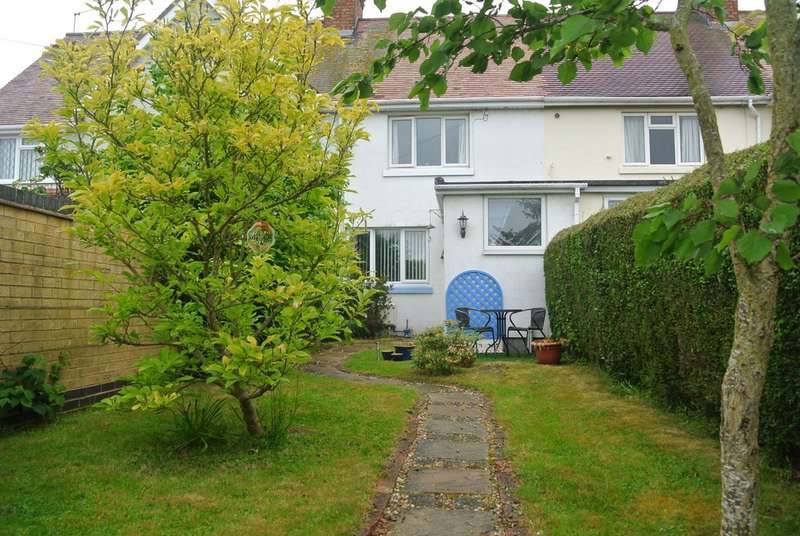 3 Bedrooms Terraced House for sale in Leys Road, Harvington, Evesham