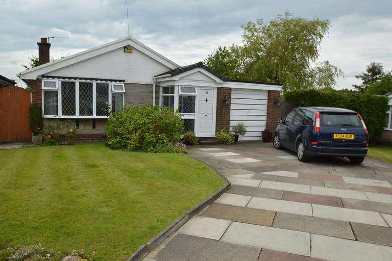 3 Bedrooms Detached Bungalow for sale in Oakwell Drive, Unsworth, Bury, BL9