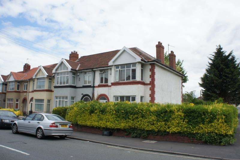4 Bedrooms Semi Detached House for rent in Glenfrome Road, Eastville, Bristol, BS5 6TR