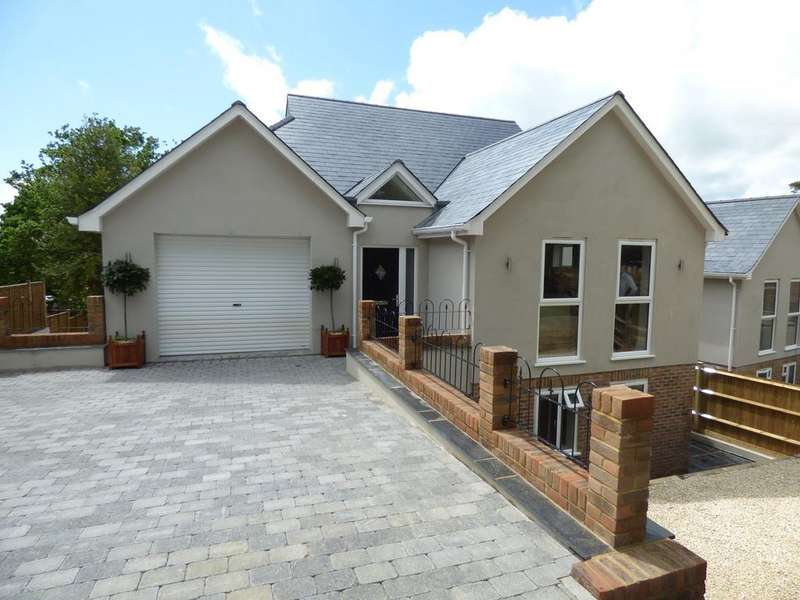 5 Bedrooms Detached House for sale in Wealden Way, Little Common, Bexhill on Sea, TN39