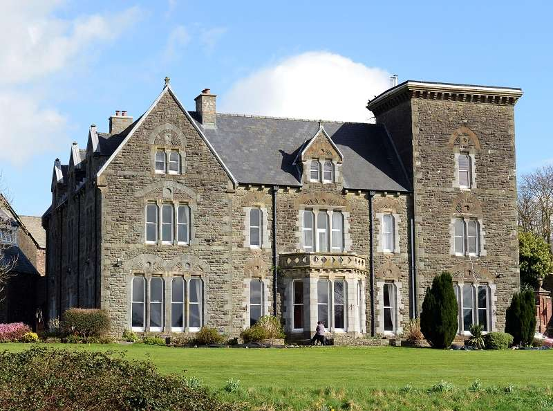 14 Bedrooms Detached House for sale in Coomb Mansion Llangynog, Carmarthen, Carmarthenshire. SA33 5HP