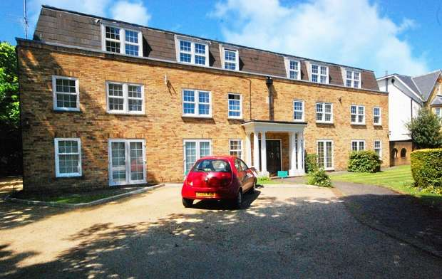 1 Bedroom Flat for sale in St James's Road, Hampton Hill