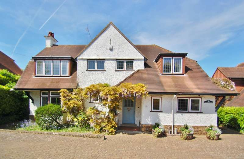 4 Bedrooms Detached House for sale in Austenway, Gerrards Cross, SL9