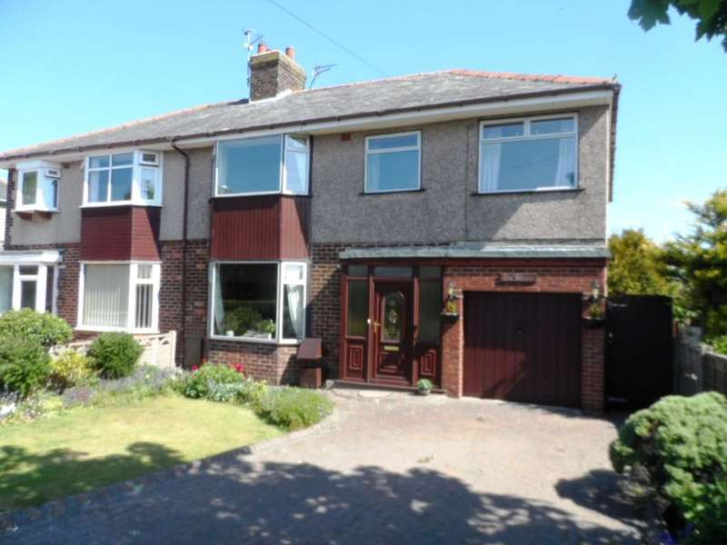 4 Bedrooms Semi Detached House for sale in Lancaster Road, Knott End on Sea, FY6 0DY