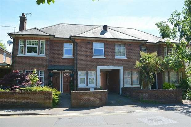 2 Bedrooms Flat for sale in Branksome, Poole, Dorset