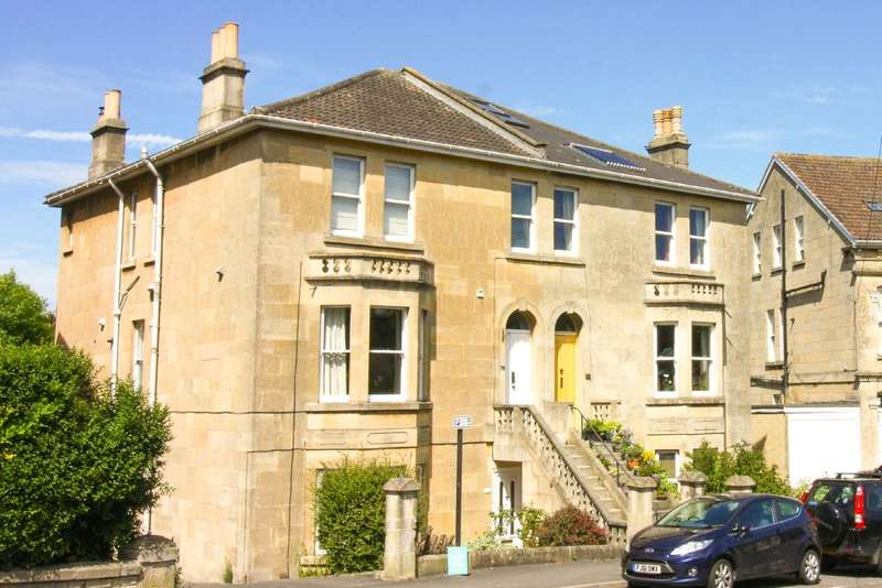 Studio Flat for sale in Lower Oldfield Park, Bath
