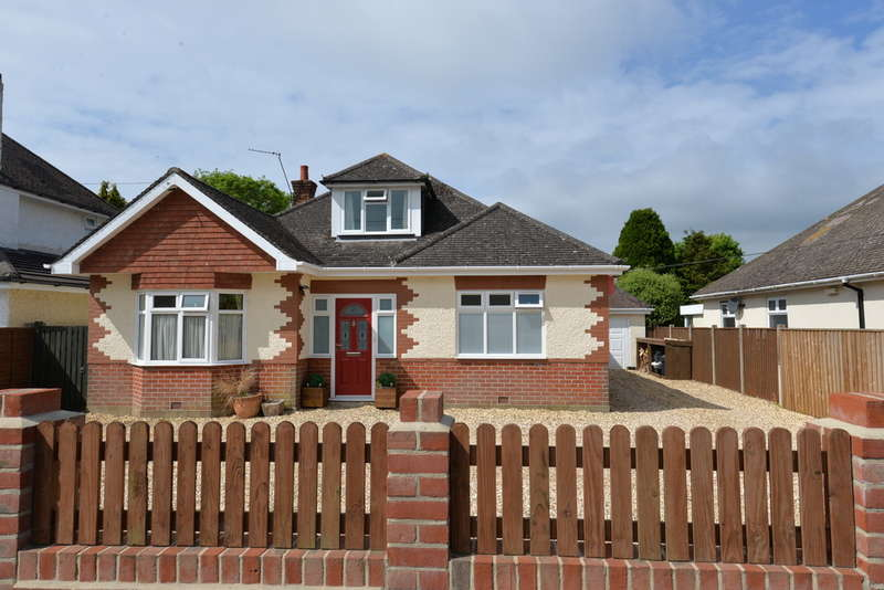 4 Bedrooms Chalet House for sale in Marley Avenue, New Milton
