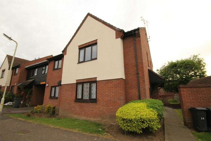 Studio Flat for sale in Hallowell Down, South Woodham Ferrers, CHELMSFORD, Essex