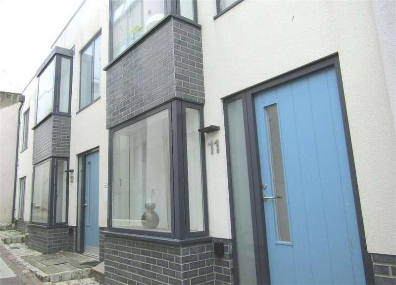 3 Bedrooms Flat for rent in Eastern Street, Brighton, East Sussex