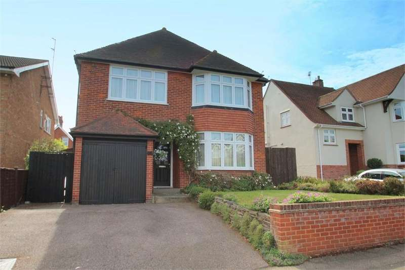 4 Bedrooms Detached House for sale in Victoria Road, Colchester, Essex