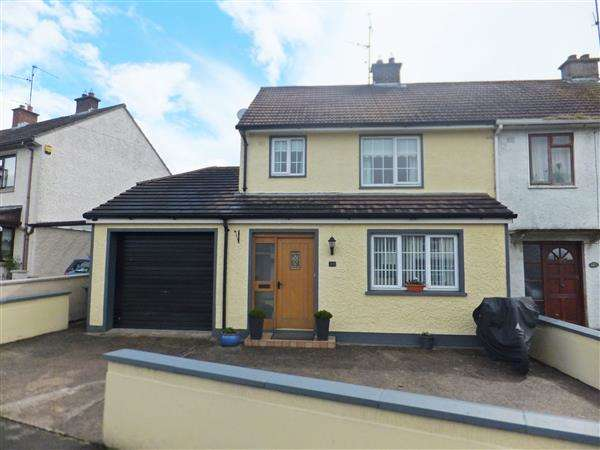 3 Bedrooms Semi Detached House for sale in 118 Derrin Road