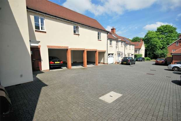 1 Bedroom Flat for sale in Cosford Mews, Wendover, Buckinghamshire