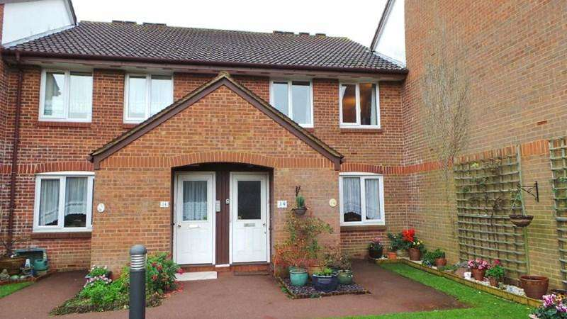 1 Bedroom Retirement Property for sale in Rose Court, West Cheshunt