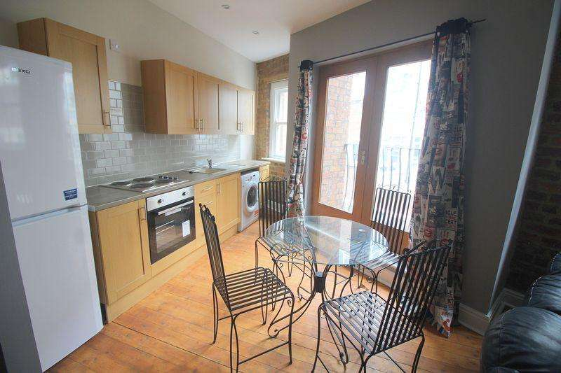 3 Bedrooms Duplex Flat for rent in Tithebarn Street, Liverpool
