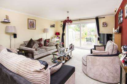 3 Bedrooms Semi Detached House for sale in Wickford, Essex, .