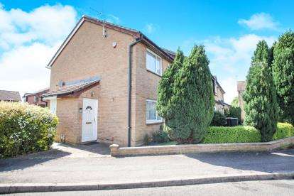 1 Bedroom Terraced House for sale in Gainsborough Drive, Houghton Regis, Dunstable, Bedfordshire
