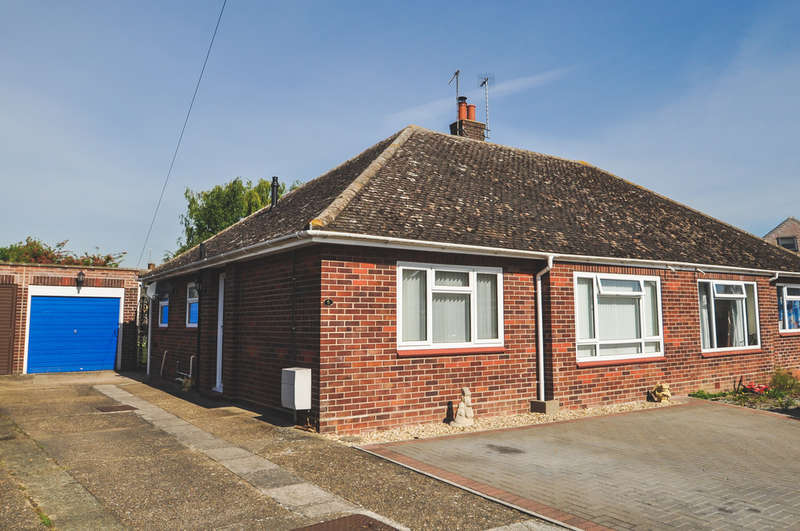 2 Bedrooms Semi Detached Bungalow for sale in Princes Green, Halesworth