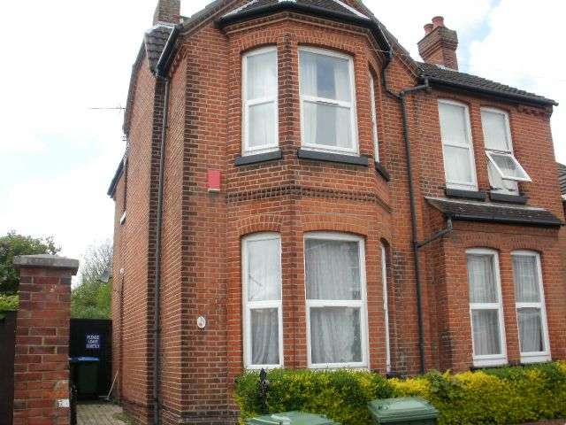 6 Bedrooms Semi Detached House for rent in Cambridge Road, Portswood, Southampton