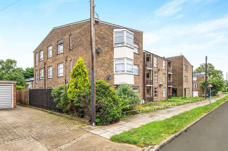 1 Bedroom Studio Flat for sale in Elizabeth Road, Pilgrims Hatch, Brentwood, CM15
