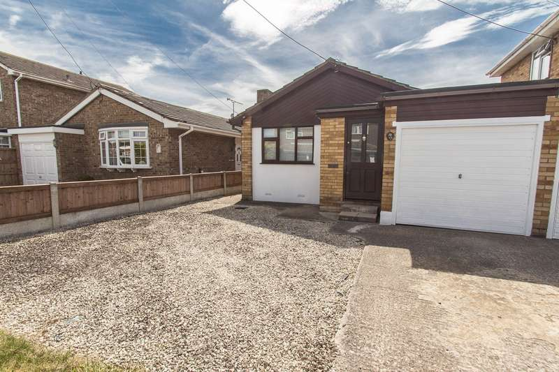 1 Bedroom Detached Bungalow for sale in Waalwyk Drive , Canvey Island, SS8