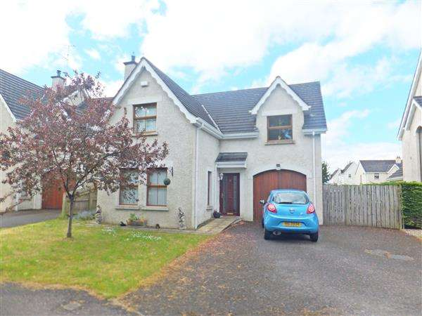 4 Bedrooms Detached House for sale in 33 The Commons