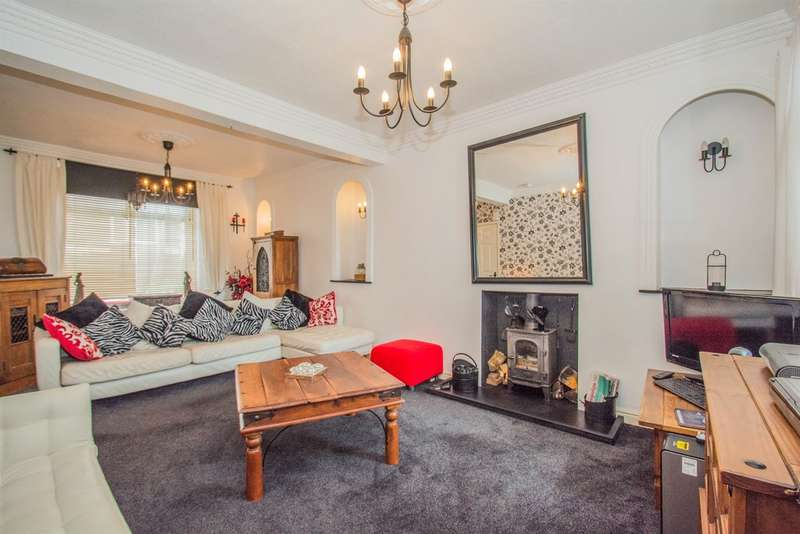 3 Bedrooms Terraced House for sale in Gilfach Street, BARGOED