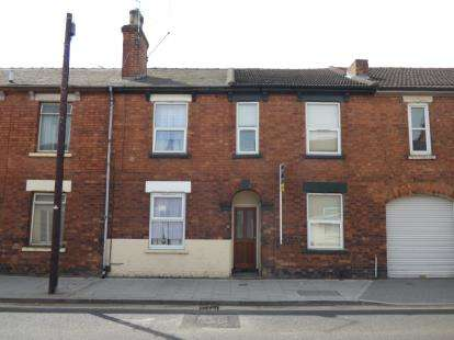 3 Bedrooms Terraced House for sale in Portland Street, Lincoln, Lincolnshire