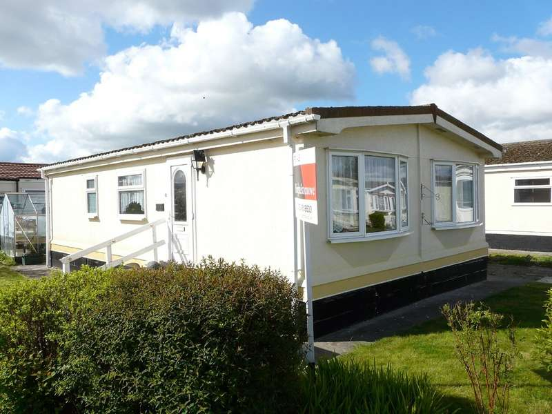 2 Bedrooms Mobile Home for sale in Oaktree Park, Locking