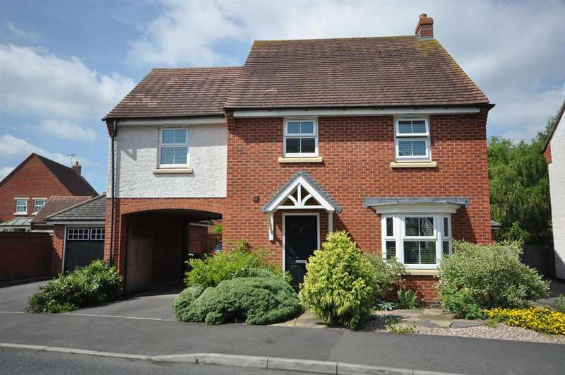 4 Bedrooms Detached House for sale in Johnsons Road, Fernwood, Newark