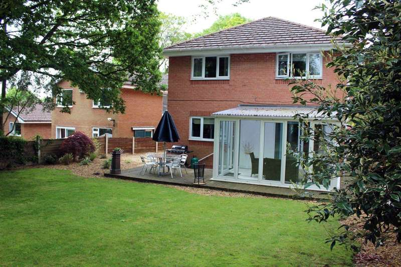4 Bedrooms Detached House for sale in Ashdown Drive, Bolton