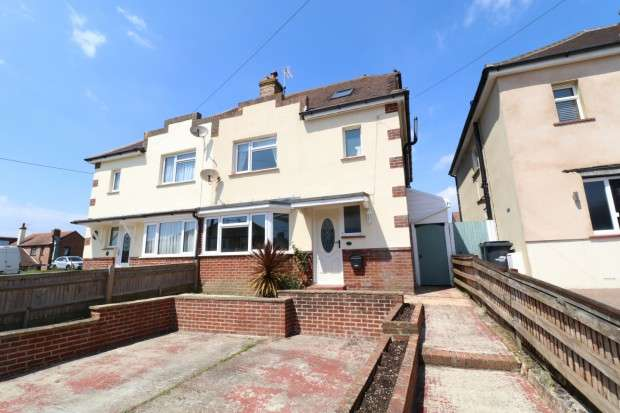 4 Bedrooms Semi Detached House for sale in Gilda Crescent, Polegate, BN26