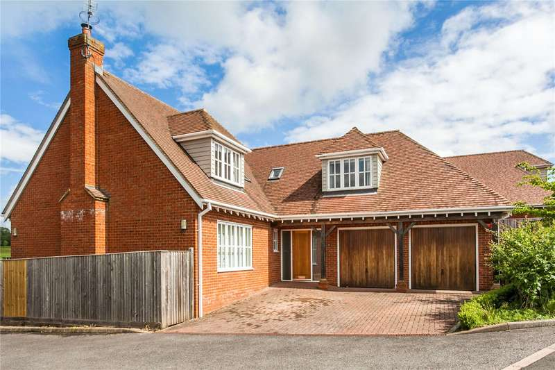 4 Bedrooms Detached House for sale in Fairway Drive, Winchester, Hampshire, SO22