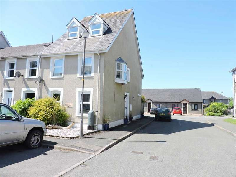 3 Bedrooms Property for sale in James John Close, Narberth, Pembrokeshire