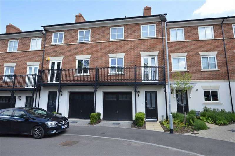 3 Bedrooms Property for sale in Mowbray Close, Epping