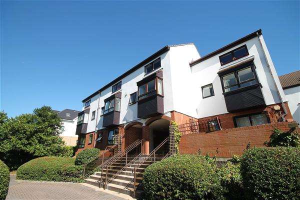 1 Bedroom Studio Flat for sale in Wellington Road, Bournemouth