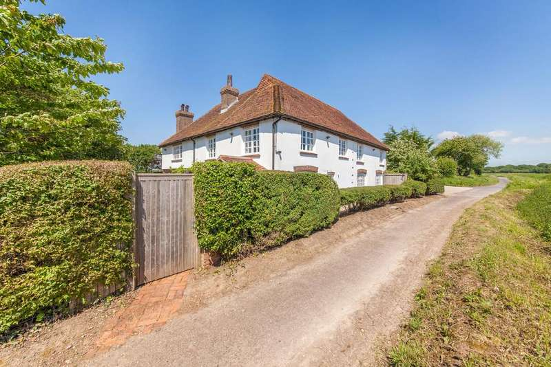 5 Bedrooms Detached House for sale in Brooks Lane, Bosham PO18