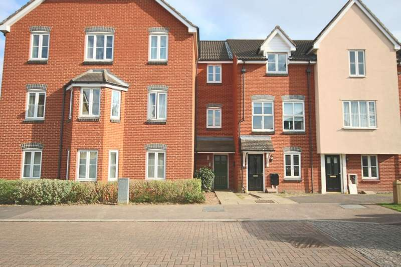 2 Bedrooms Apartment Flat for sale in LARKFIELD