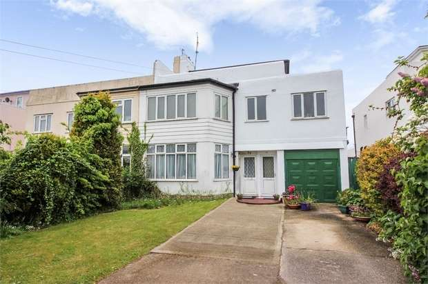 2 Bedrooms Maisonette Flat for sale in Shaftesbury Avenue, Goring-by-Sea, Worthing, West Sussex