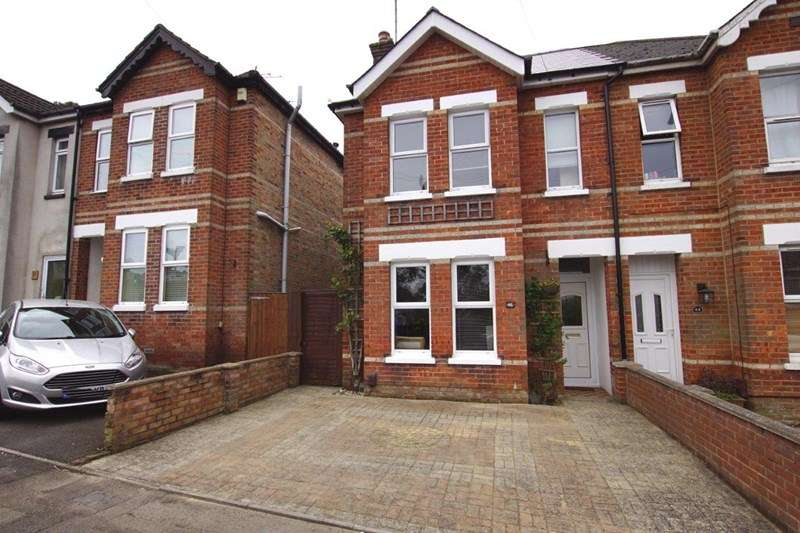 2 Bedrooms Semi Detached House for sale in Gwynne Road, Parkstone, Poole