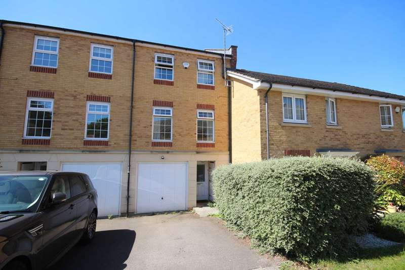 3 Bedrooms Town House for sale in Somerville Rise, Bracknell
