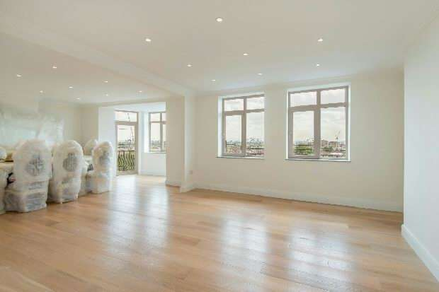 4 Bedrooms Flat for sale in Palace Court, Finchley Road, Hampstead, NW3