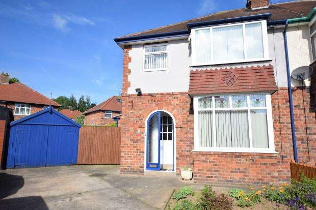3 Bedrooms Semi Detached House for sale in Woodville Avenue, Scarborough, North Yorkshire, YO12 6DL