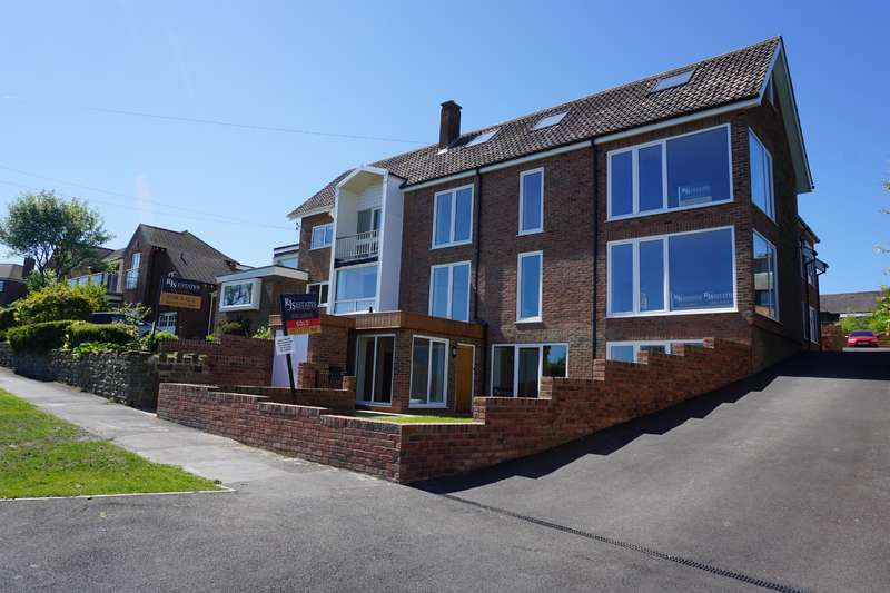 3 Bedrooms Maisonette Flat for sale in Holbeck Hill, Scarborough, North Yorkshire, YO11 3BJ