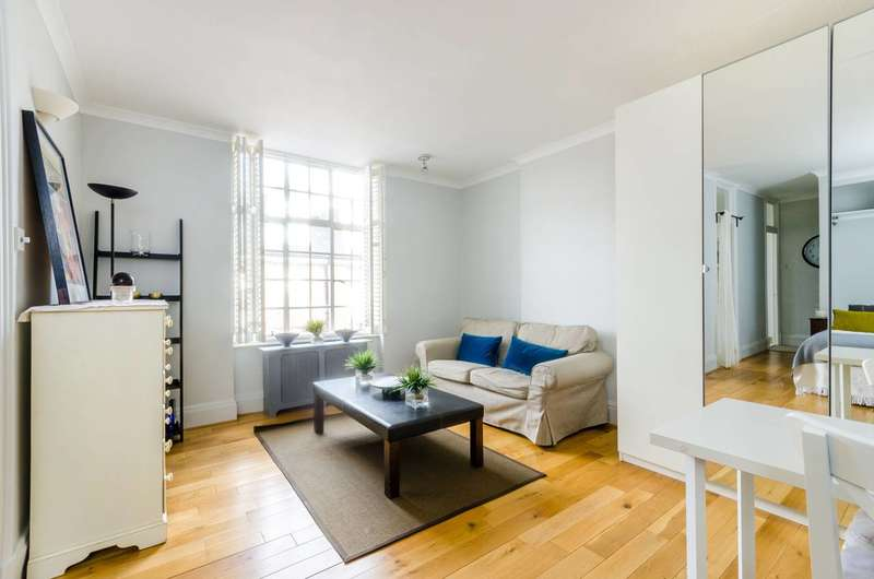 Studio Flat for sale in Chelsea Manor Street, Chelsea, SW3