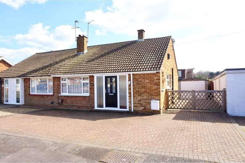 2 Bedrooms Semi Detached Bungalow for sale in Montfort Road, Walderslade, Chatham, Kent
