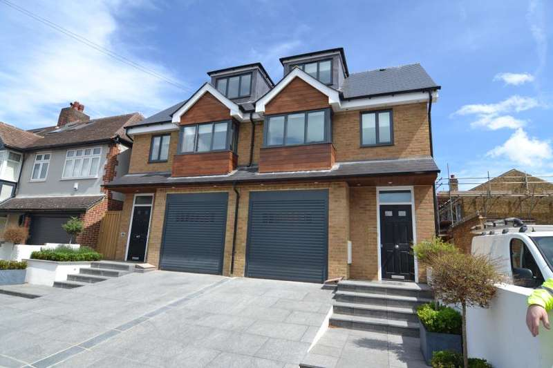 4 Bedrooms Semi Detached House for sale in Elmfield Avenue, Teddington, TW11